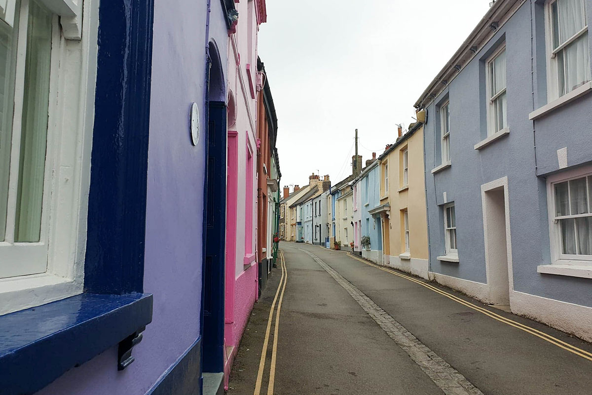 Coloured houses in Appledore