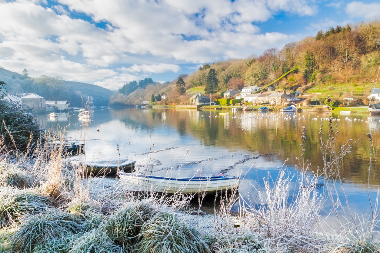 Frosty morning beside the River Lerryn in Cornwall, South West England