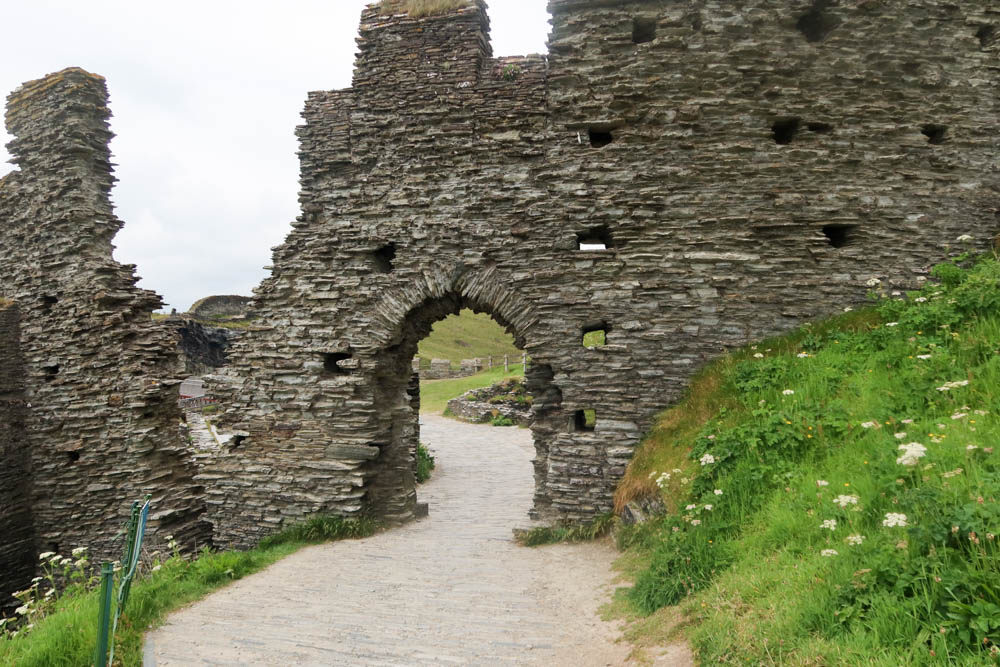 Wall and arch at Tintagel